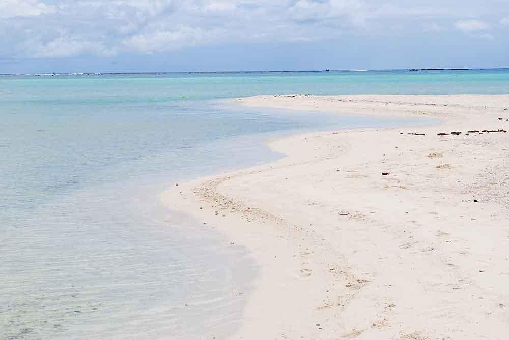 Motu Tapu's idyllic beach. Bora Bora