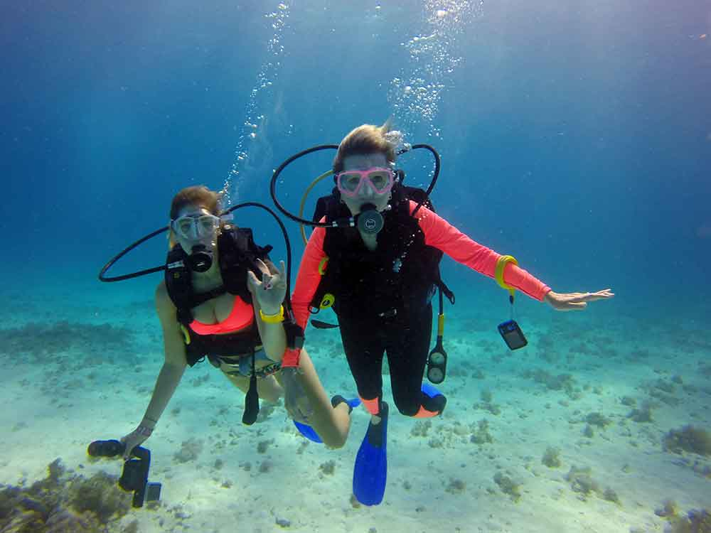 Becca Hurley and I on our dive, Cancun Underwater Museum (Photo: Luis Palacios)