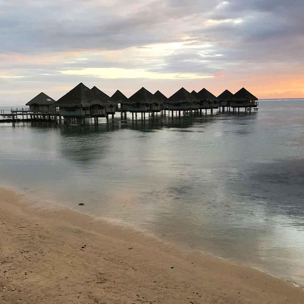 Tahiti Accommodation Over Water Bungalows: Tahiti And Tuamotus: Tahiti